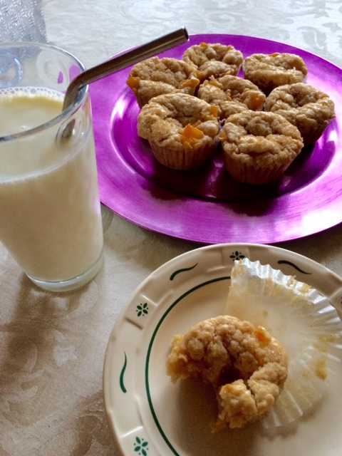 breakfast-peach-muffins-chew-this-blaise-doubman.jpg