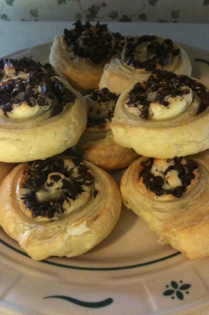 chocolate-and-cream-cheese-puff-pastry-pinwheels-blog